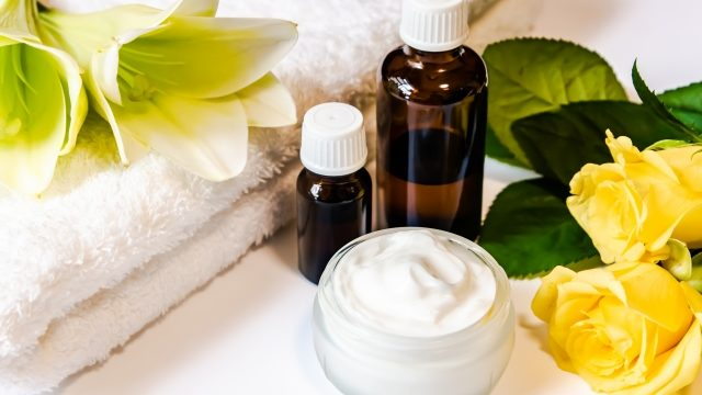化粧品サンプルをもらう&安く購入する方法を紹介します